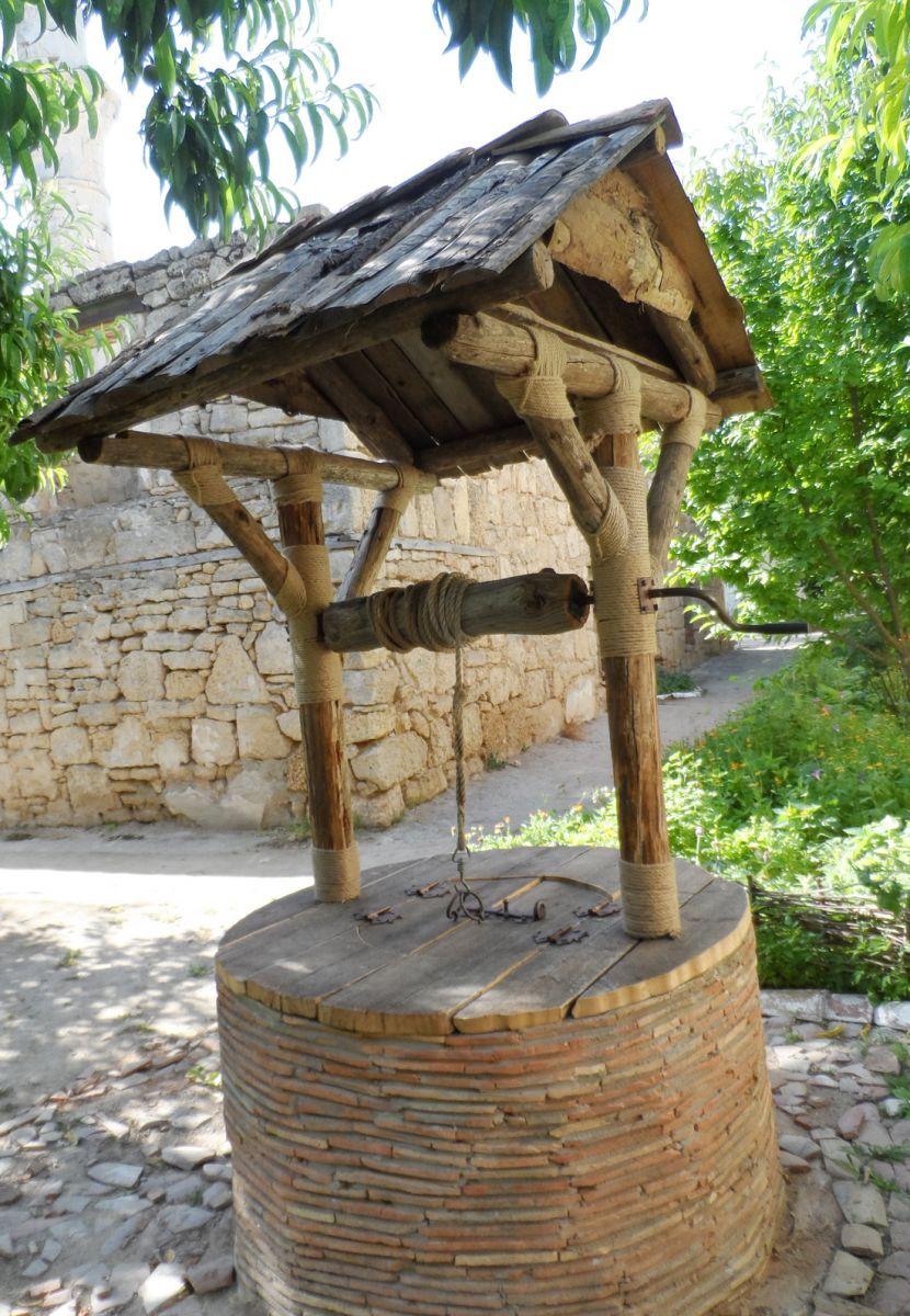 Средневековый памятник Текие дервишей в Евпатории пополнился новым объектом показа – восстановленным колодцем